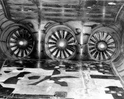 Képek a sérült hajtóművekről